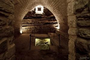 Desciende al espacio más íntimo de la Sinagoga del Agua